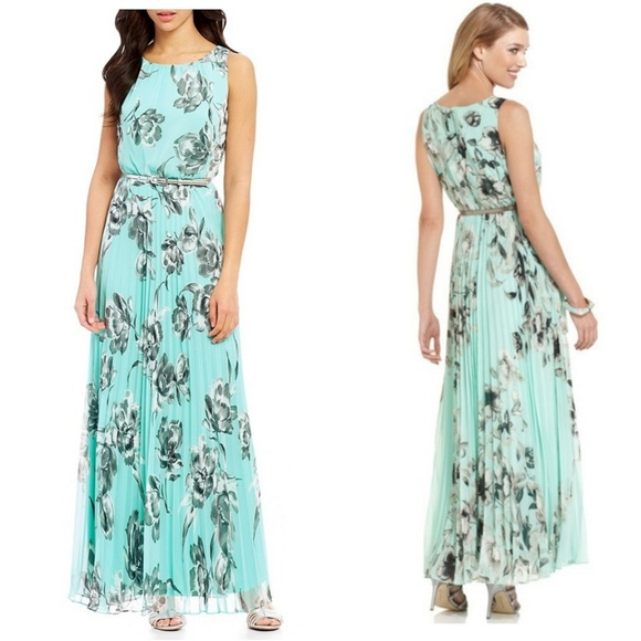 9e9d7fc553d5 Jessica Howard Dresses | Pleated Maxi Dress | Poshmark